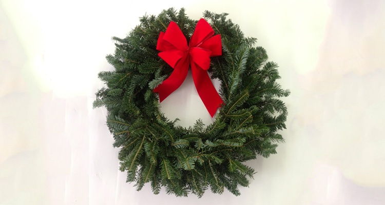 Christmas Wreath Fundraiser – How To Use the Holidays to Raise Money